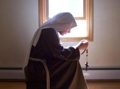 nun-gazing